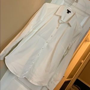 Ann Taylor Fitted Button-down shirt